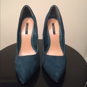 Green pumps (worn once)
